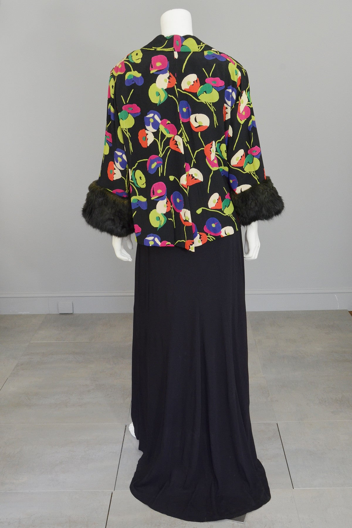 1930s Rayon Crepe Poppy Print Open Keyhole Plunge Back Gown and Matching Kimono Jacket