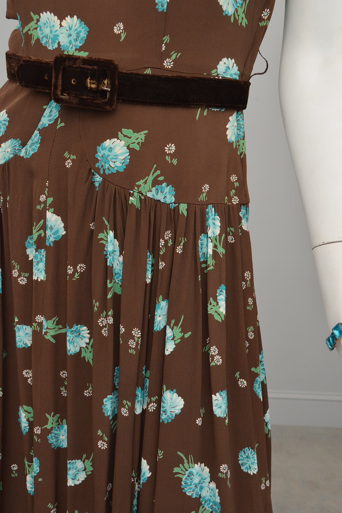 1940s Novelty Print Dress Brown Aqua Floral Print Pleated Dress
