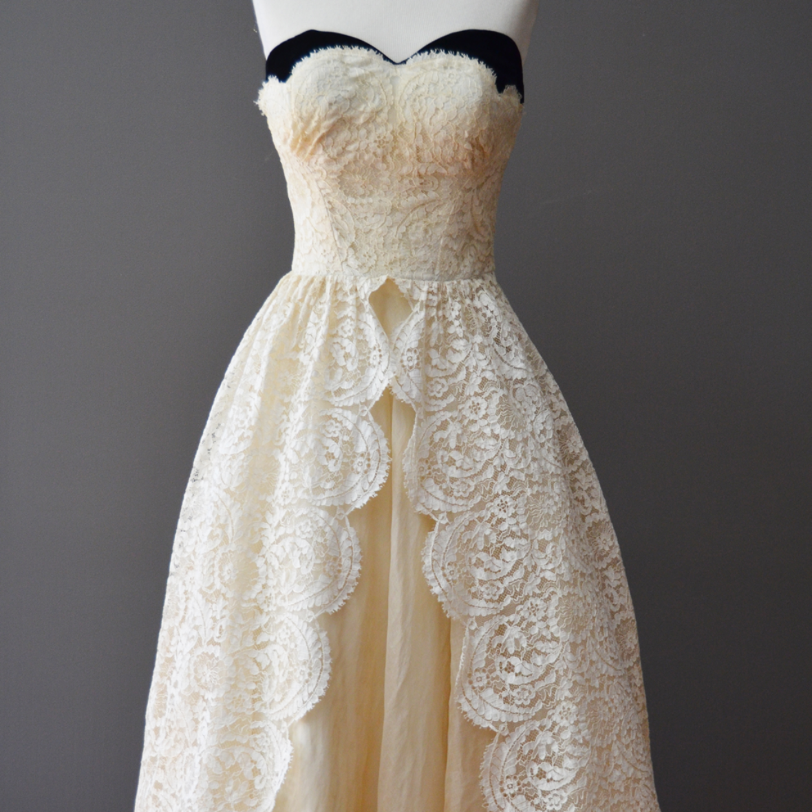 1950's Cream Lace Vintage Dress