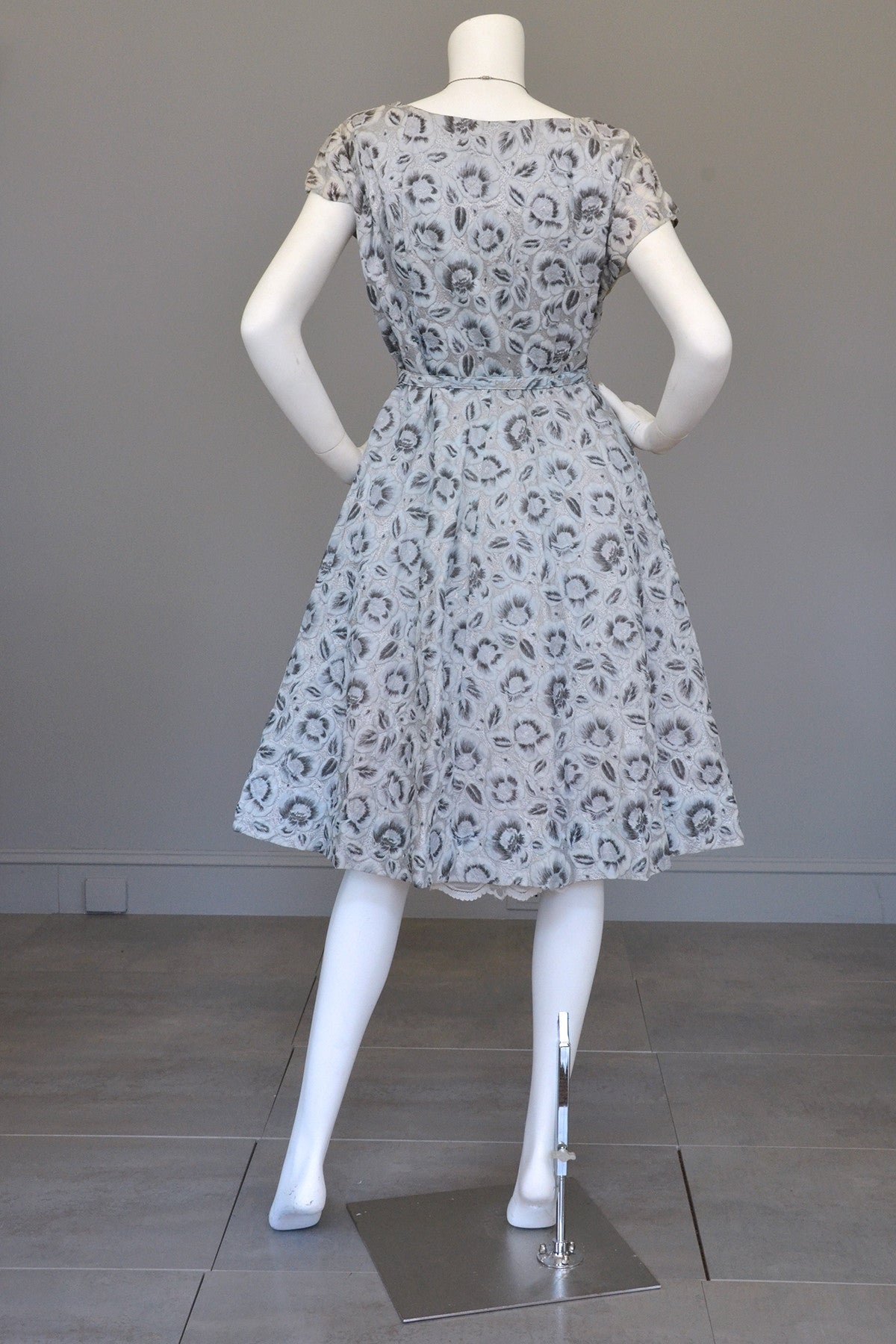 1950s Powder Blue with Rhinestone Bodice Vintage Party Dress Novelty Floral Print, Medium