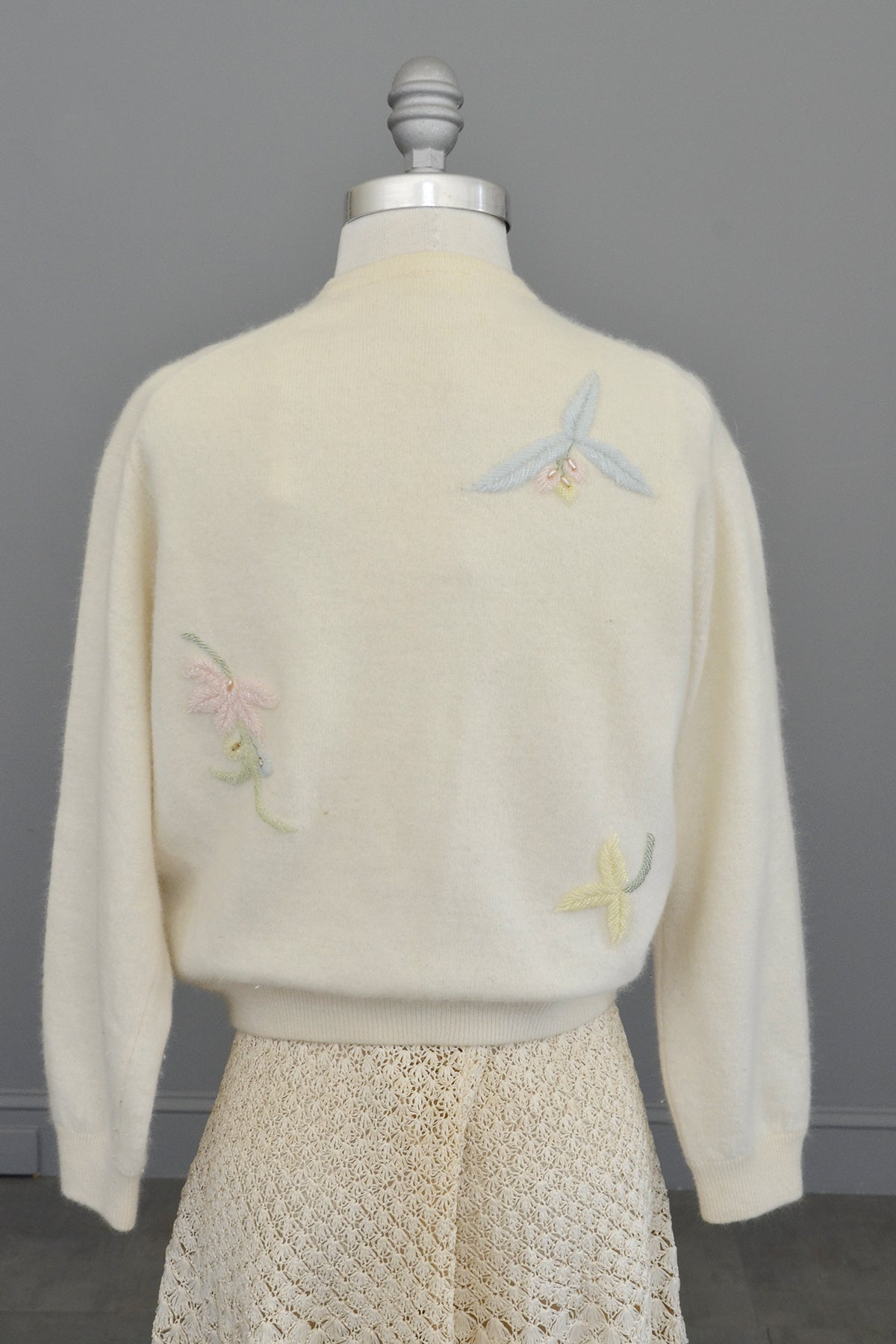 1950s Off White Floral Sprigs Beaded Sweater