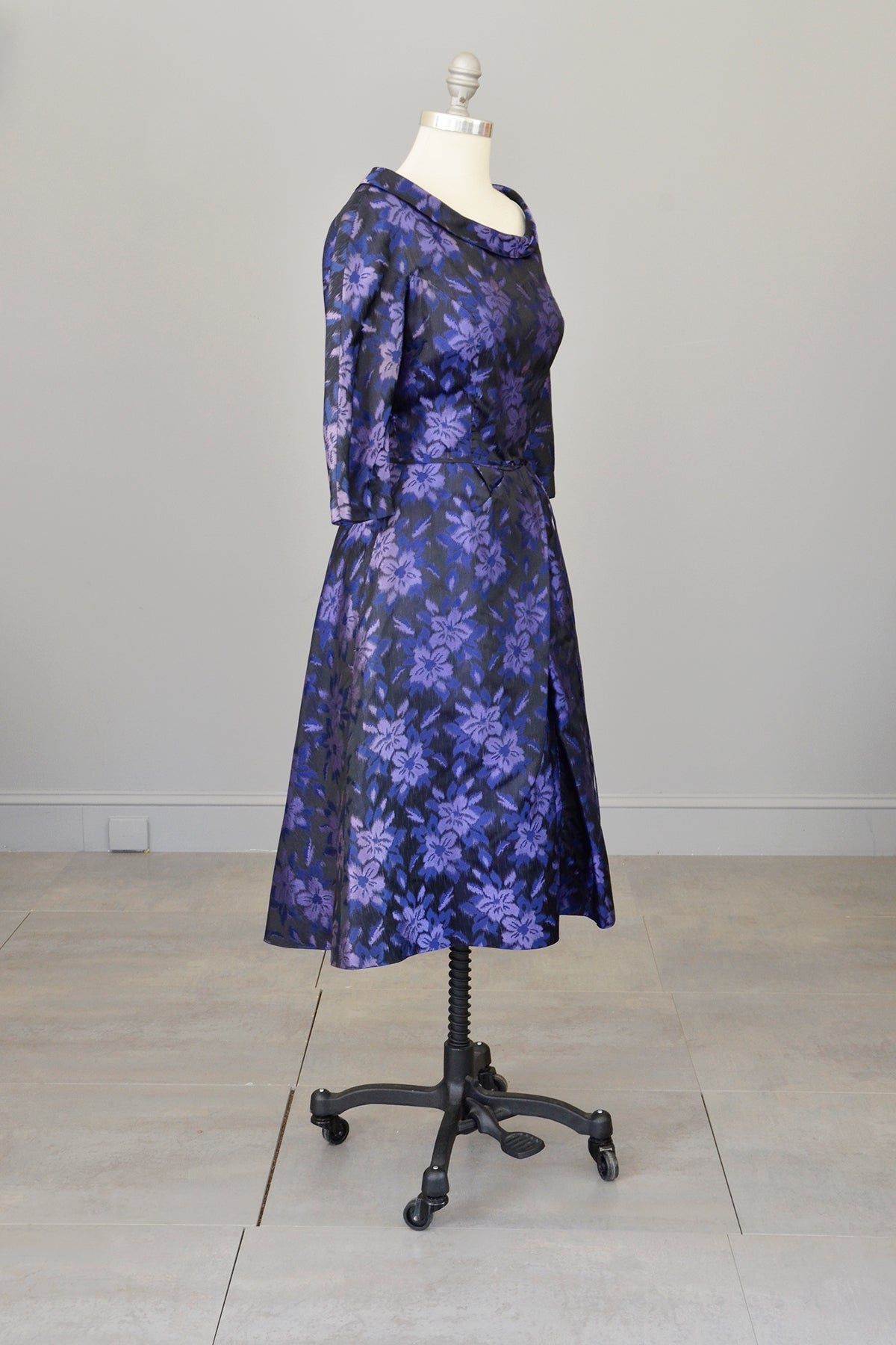 1950s Black Purple Floral Print Office Party Dress