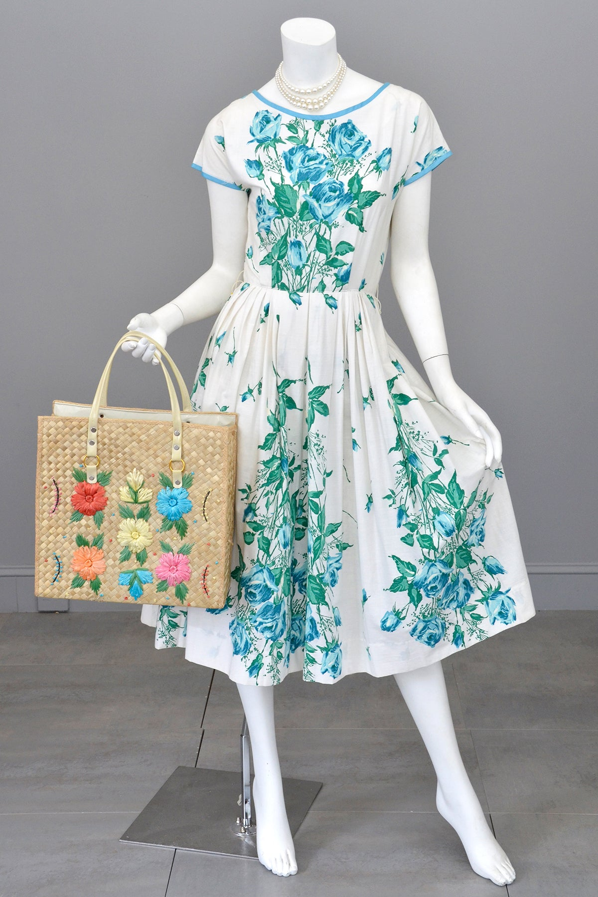 1950s Novelty Print Blue Roses on White 50s Dress