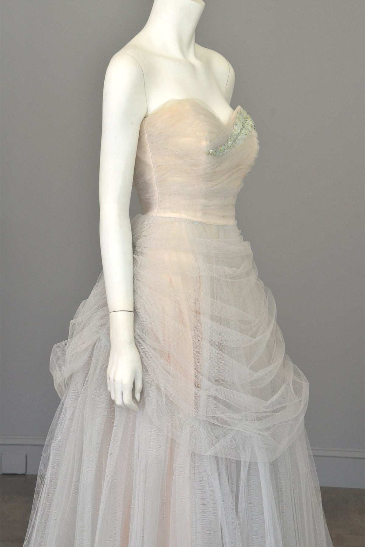Vintage 1950s Tulle Draped Sequin Leaf Vintage Prom Dress Wedding Dress