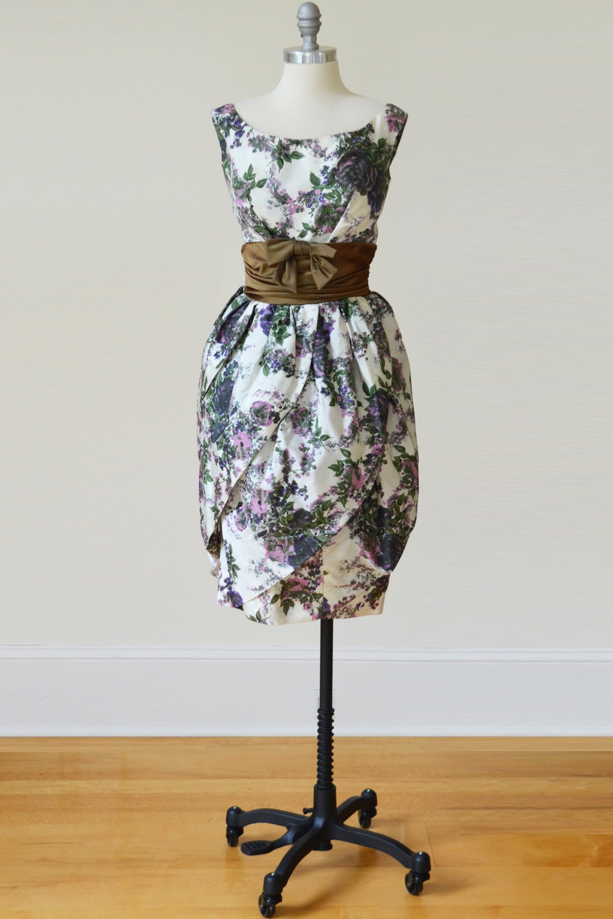 Vavoom! Mad Men 1960s Tulip Hem Vintage Cocktail Dress Floral Print ...