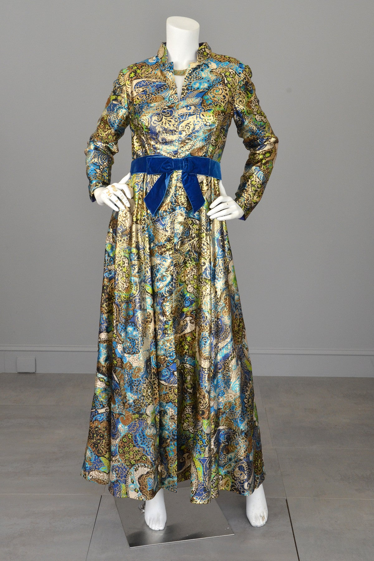 1960s Blue with Gold Metallic Lamé Paisley Print Vintage Gown ...