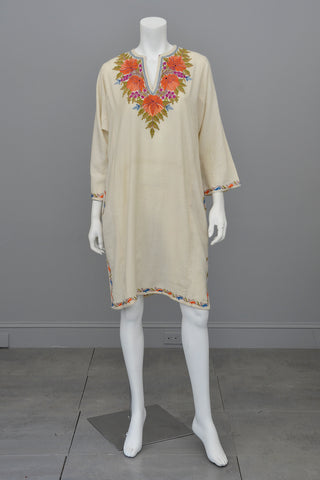 85f9dc38debb 1970s Embroidered Off-White Wool Tunic Caftan Dress