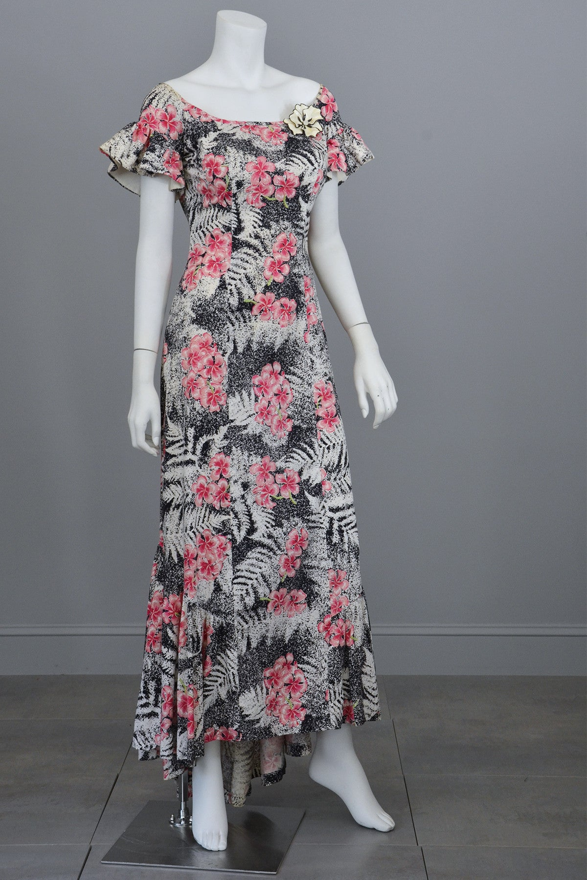 1970s Vintage Hawaiian Novelty Floral Print Maxi Mermaid Dress
