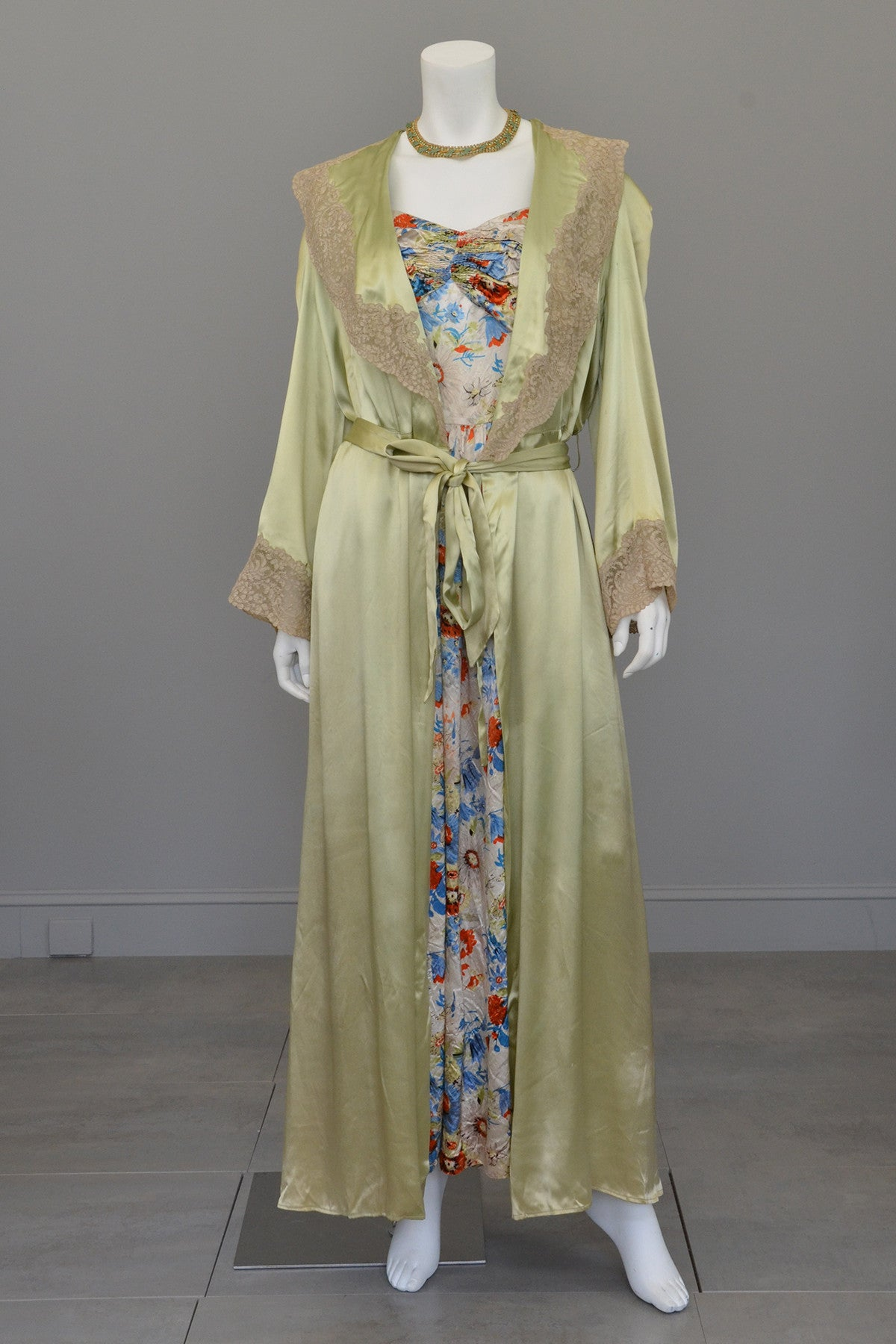 Vintage Avocado Green Satin and Lace Robe
