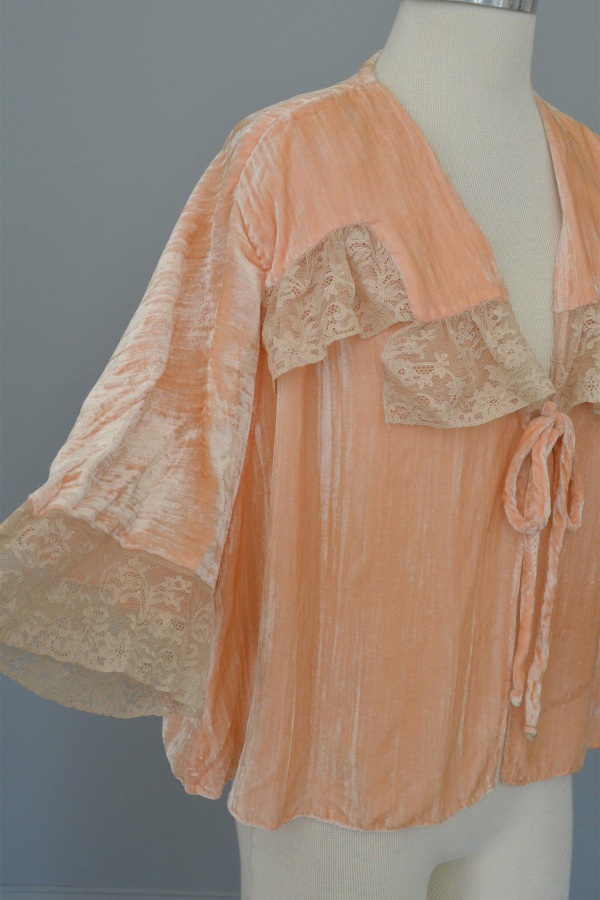 Vintage Peach Crushed Velvet Lace Bed Jacket Shrug Bell Sleeves
