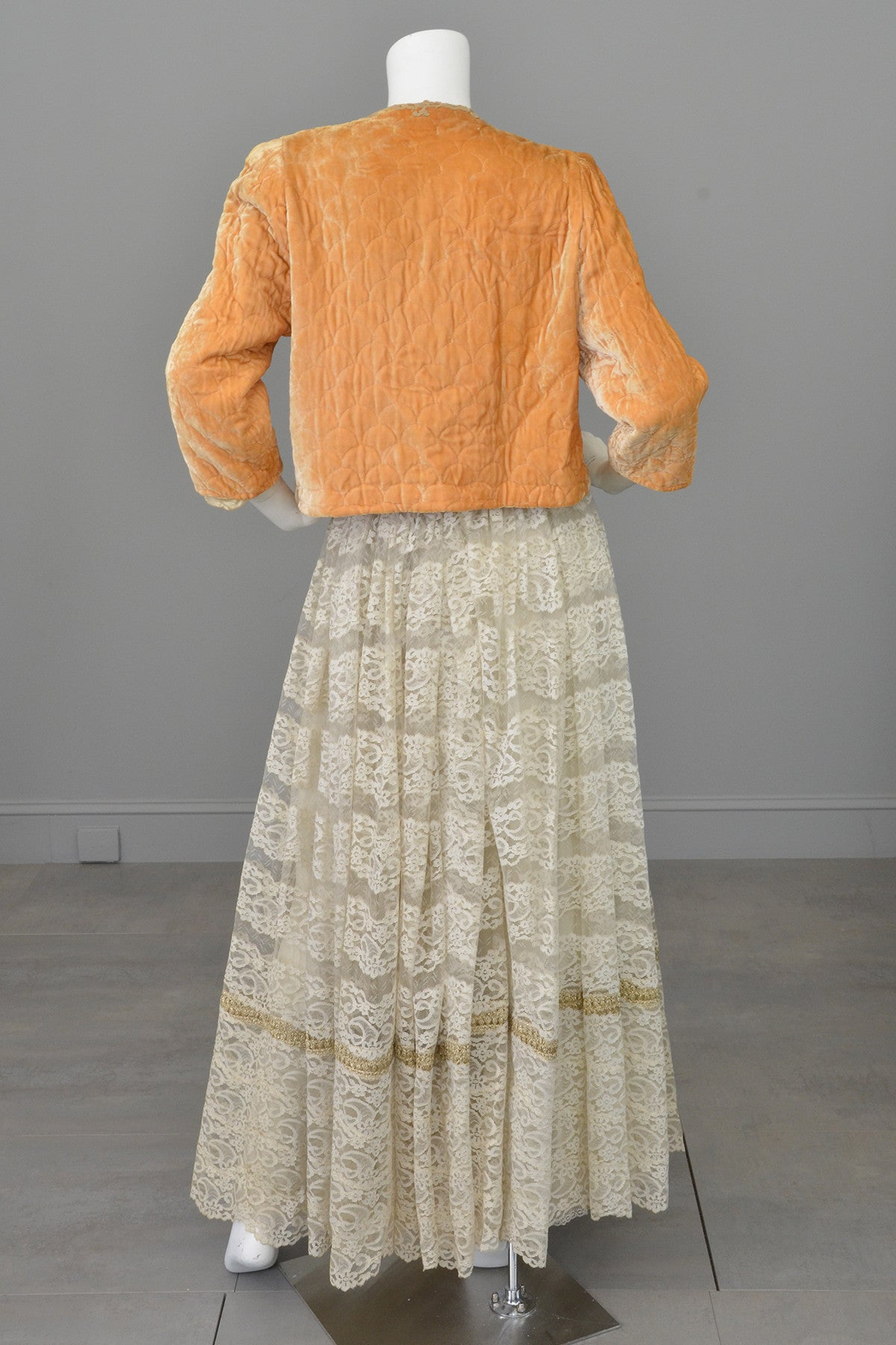 1930s Apricot Quilted Silk Velvet Bed Jacket Shrug