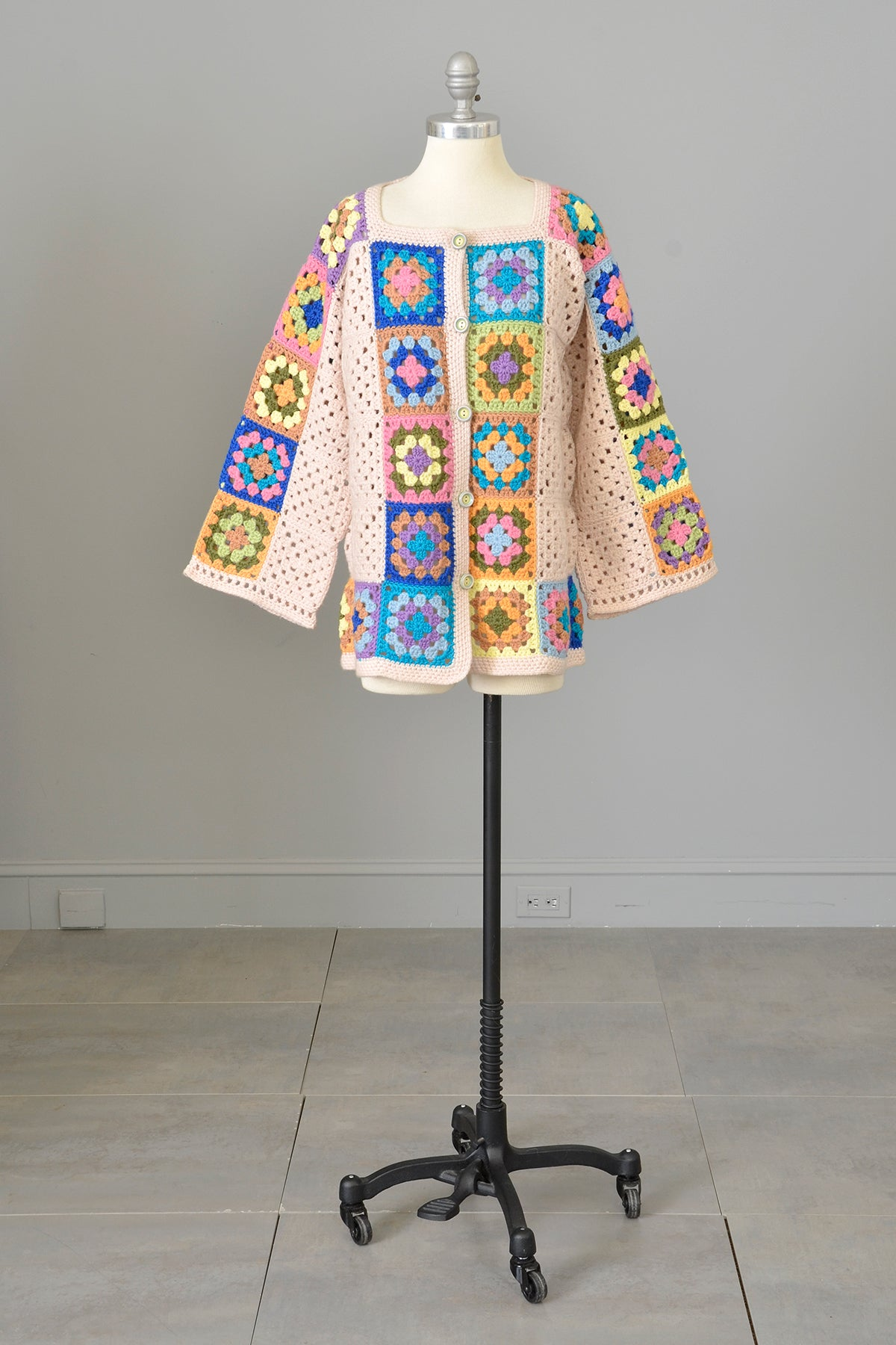 Vintage Hand Knit Crochet Patchwork Granny Squares Cardigan Sweater