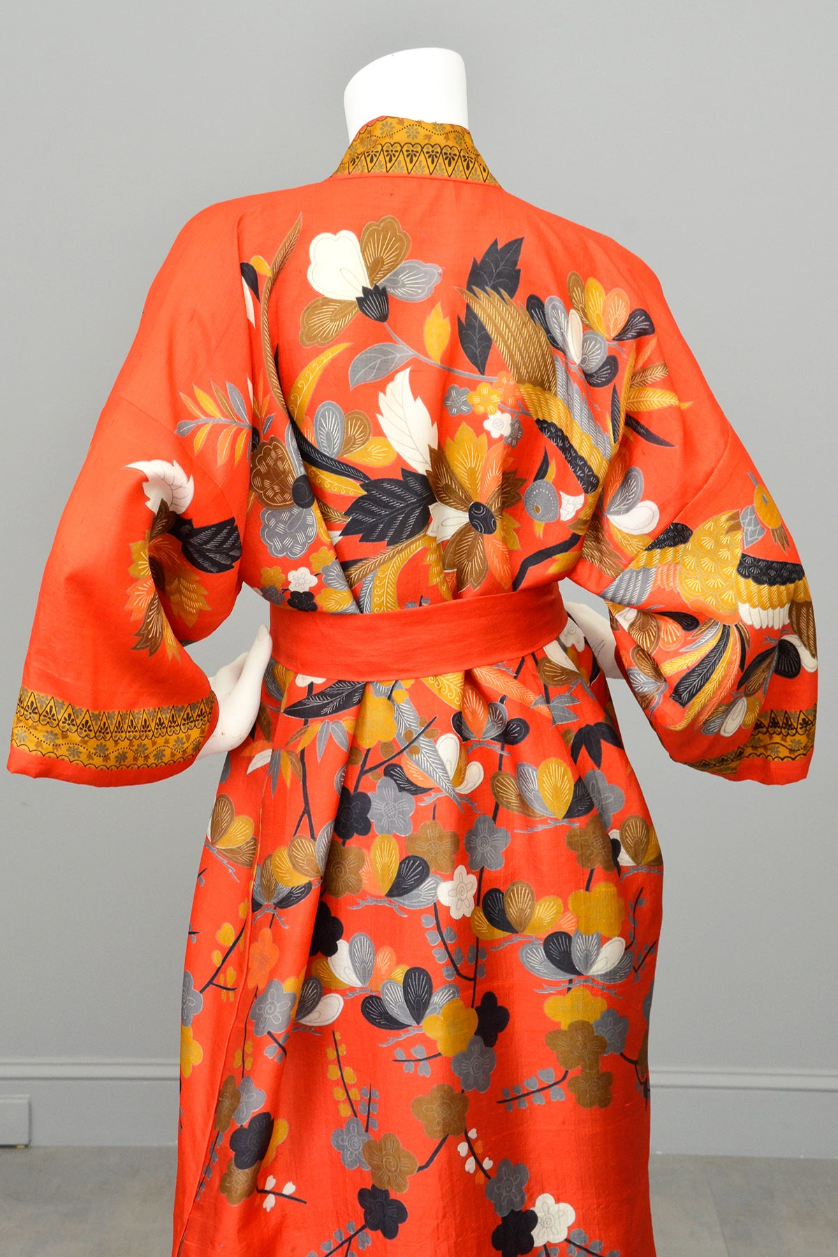 Vintage Flapper style Japanese Kimono Vibrant Red Gold Floral + Birds