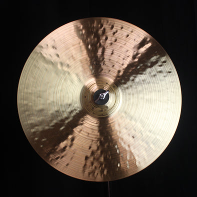 "Paiste 16"" Signature Traditionals Thin Crash - 923g"