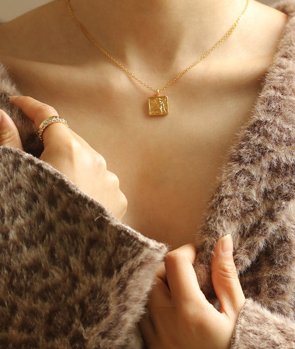 Baroque Vintage Square Necklace