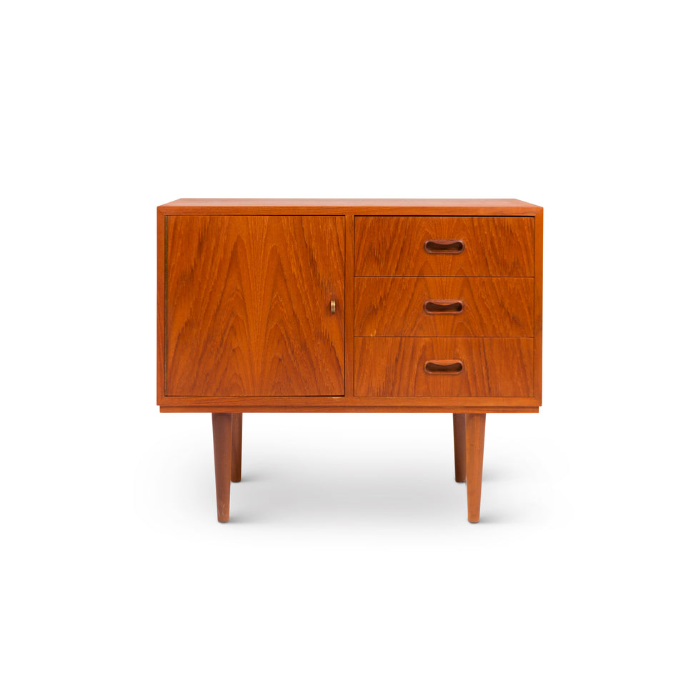 Vintage Danish Mid-Century Accent Table / Nightstand