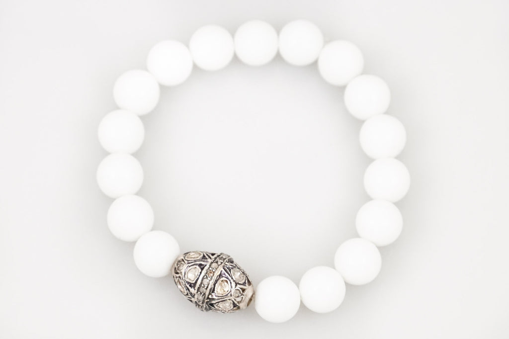 White Agate Beads with a Large Oval Polki Diamond Bead