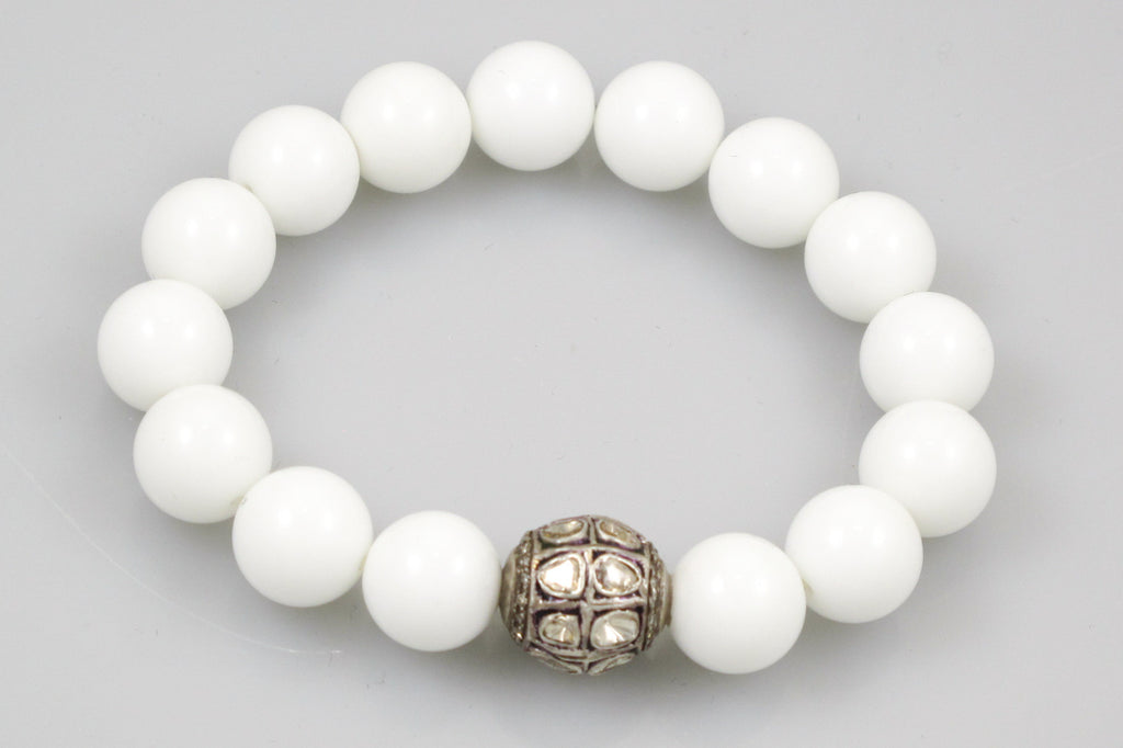 White Large Agate Beads with a Polki Diamond Bead