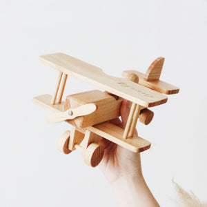 CLASSIC WOODEN PLANE WITH TWO PEG DOLLS