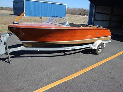 Classic Wooden Boat for Sale -  1955 CHRIS CRAFT 19' CAPRI
