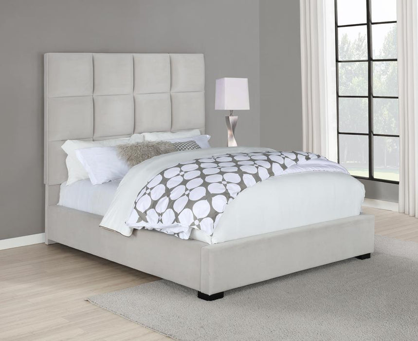 G315850 E King Bed image