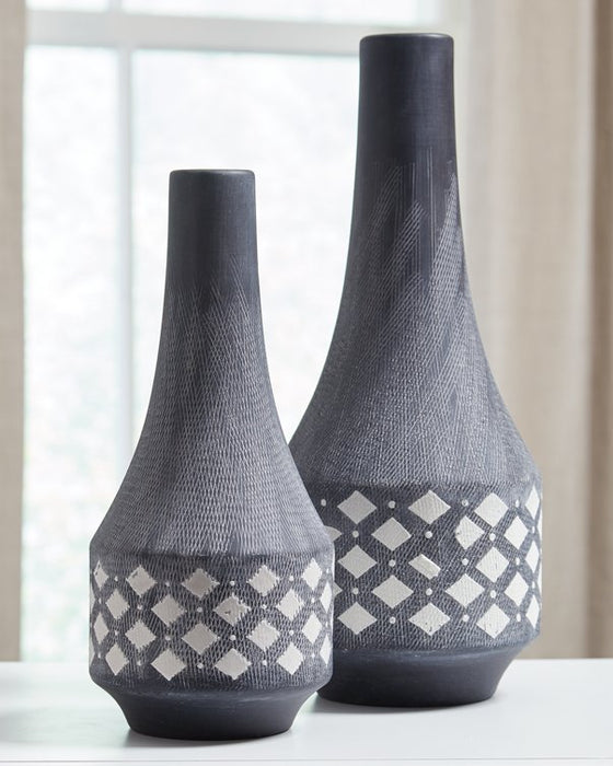 Dornitilla Signature Design by Ashley Vase Set of 2 image
