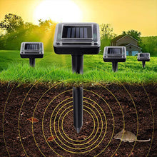 Load image into Gallery viewer, Solar Remover Spikes for Lawn Garden Yard