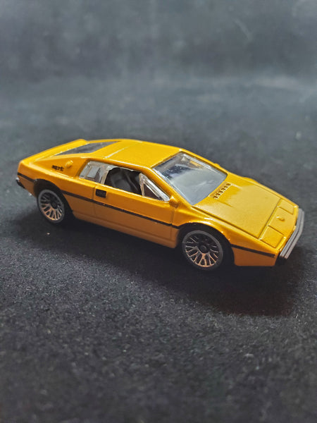 Hot Wheels - Lotus Esprit S1 - 2016