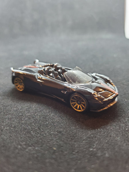Hot Wheels - '17 Pagani Huayra Roadster - 2019 *5-Pack Exclusive*