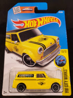 Hot Wheels - '67 Austin Mini Van - 2016