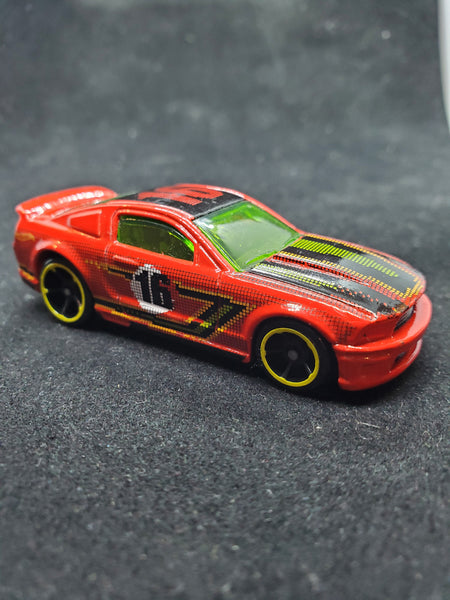 Hot Wheels - '07 Ford Mustang - 2016