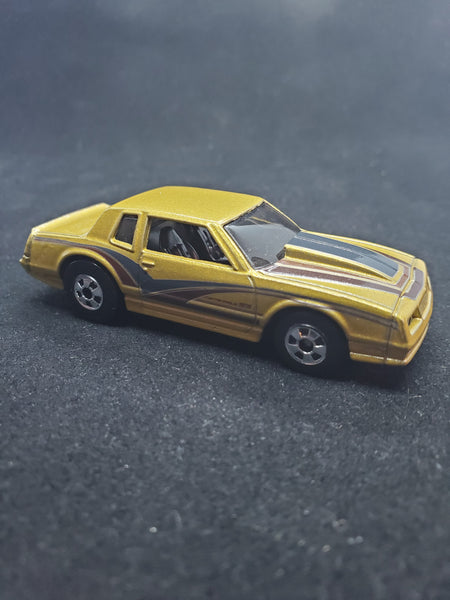 Hot Wheels - '86 Monte Carlo SS - 2019 Throwback Series