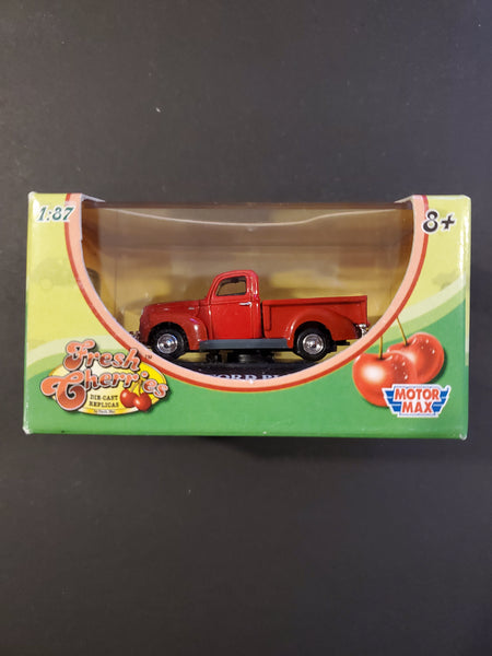 Motor Max - 1940 Ford Pick-Up - Fresh Cherries Series 1:87 Scale