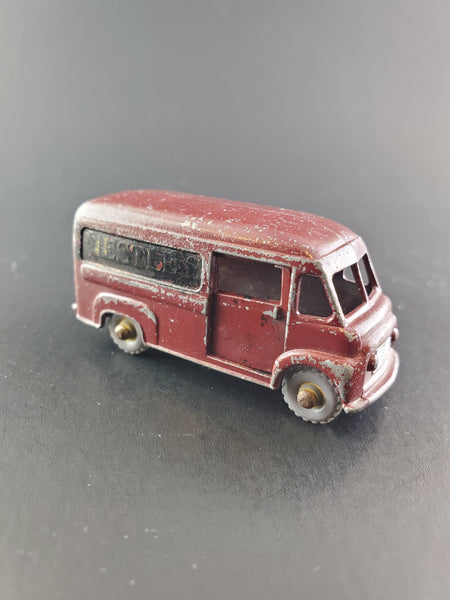 Matchbox - Commer 30 CWT Van - 1959