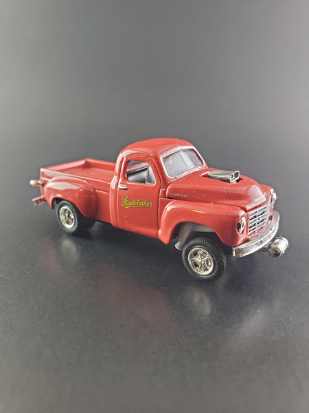 M2 Machines - 1953 Studebaker 2R - 2020 1:64