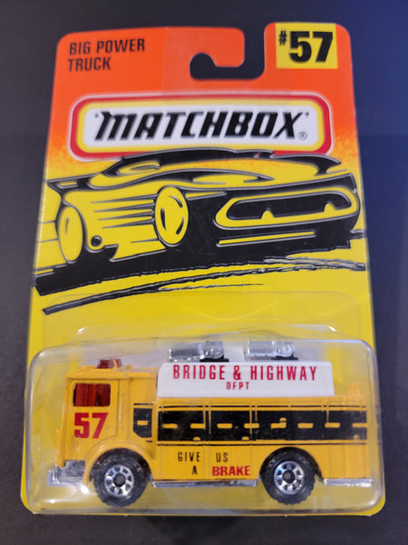 Matchbox - Mack Auxiliary Power Truck - 1997
