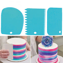 Load image into Gallery viewer, 3 Pcs Baking Pastry Cream Scraper Teeth Edge DIY Scraper Cake Decorating Fondant Pastry Cutters Baking Spatulas Cake Tools