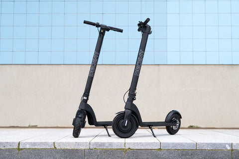 Decent electric scooters. Decent range, speed, motor power. Decent all round electric scooter. Great for beginners. Adult e-scooter. Purchase from Electric Travels https://electrictravels.co.uk/