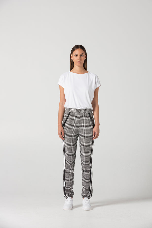 Track Trouser  : CODE4870