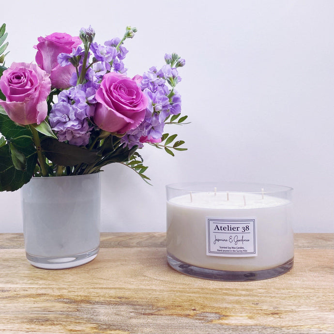 Atelier 38 Luxury Candles. Stunning Jasmine & Gardenia Extra Large Soy Wax Candle. 5 wicks, 1.3kg, clear glass bowl, Luxury gift packaging