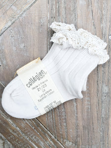Collegien Lace-Trim Ankle Socks in Doux Agneaux