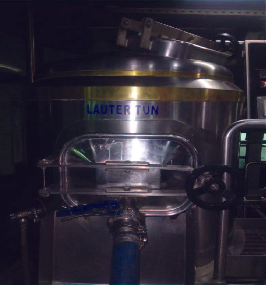 STAINLESS STEEL COMBI-TANK - LAUTER TUN (VOL - 600 L) & HOT LIQUOR TANK (VOL - 500 L) WITH COPPER BANDS