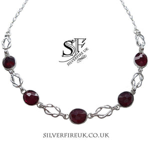 Choker necklace with Garnets