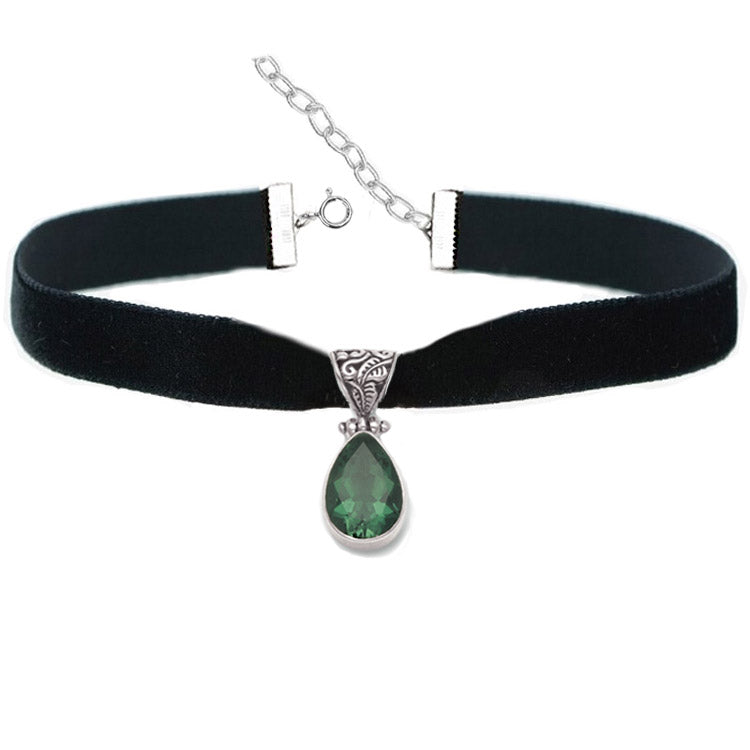 emerald green quartz teardrop velvet choker