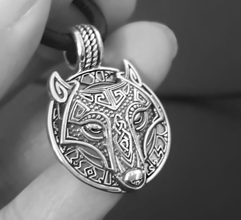 MENS WOLF NECKLACE VIKING