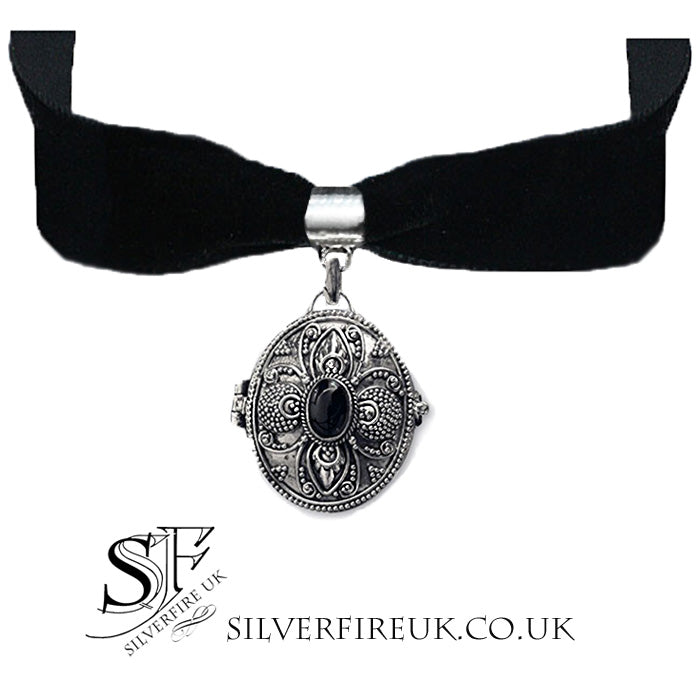 Gothic Locket Choker Necklace