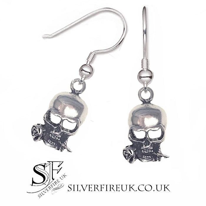 Skull earrings with roses