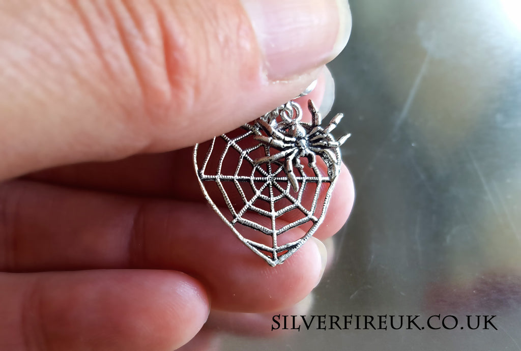 spider web pendant necklace