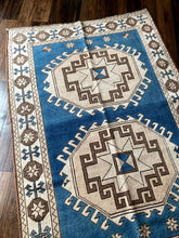 Load image into Gallery viewer, Mary - 4.2' x 6.2' Vintage Turkish Oushak Rug