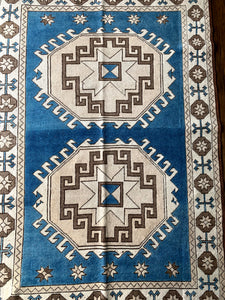 Mary - 4.2' x 6.2' Vintage Turkish Oushak Rug